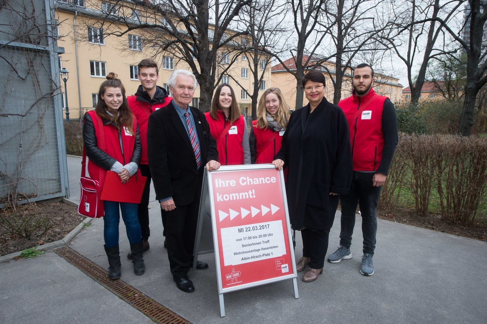 waff-Gemeindebauaktion mit Stadträtin Renate Brauner und Bezirksvorsteher Stv. Peter Kriz